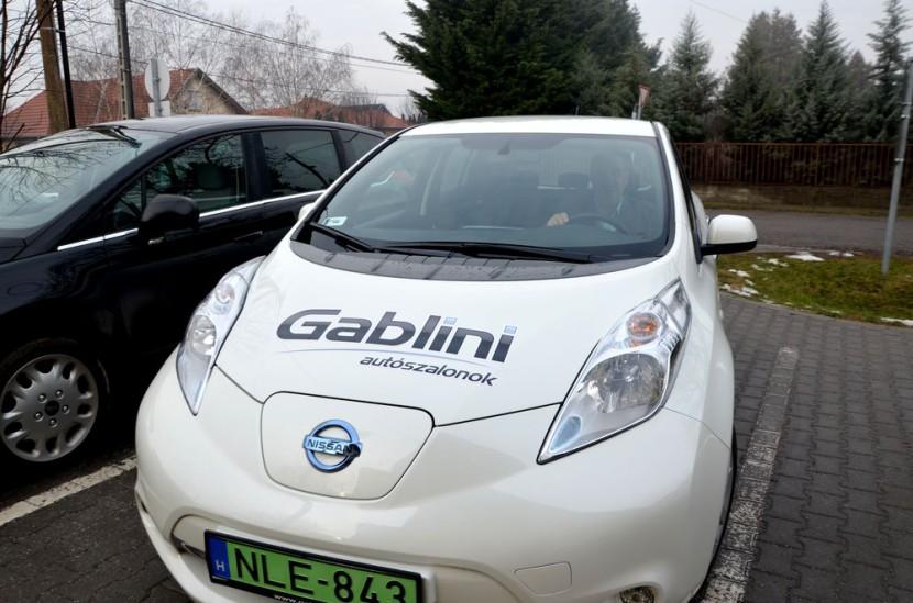 Elektromos autót tesztelnek Tárnokon