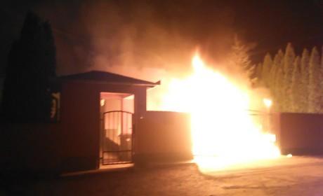 Leégett egy melléképület az Aradi utcában