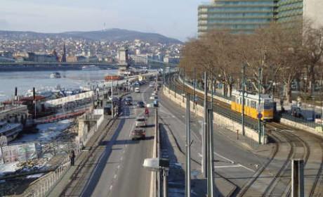 Hétfőn forgalomkorlátozás Budapes belvárosában