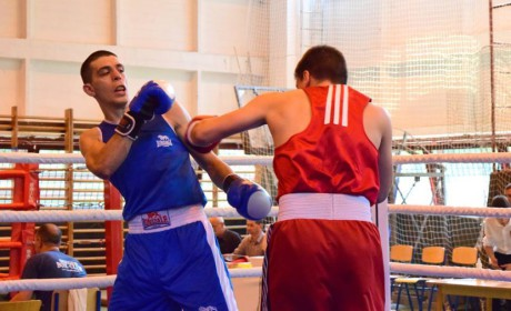 Pontozással nyert az érdi bokszoló