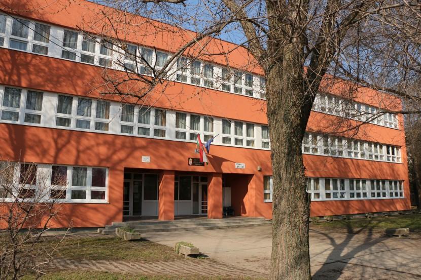 Intézményvezető (Érdi Bolyai János Általános Iskola)