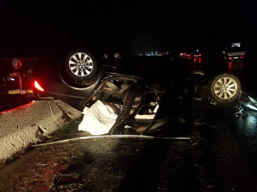 Felborult egy autó az M0-áson