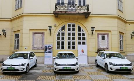 Elektromos autók a Pest Megyei Kormányhivatalnál