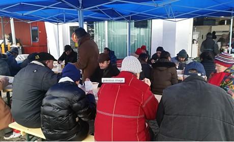 A támogatókat is várják az utolsó ételosztáson!