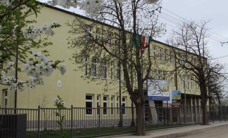 Takarító (Gárdonyi iskola)