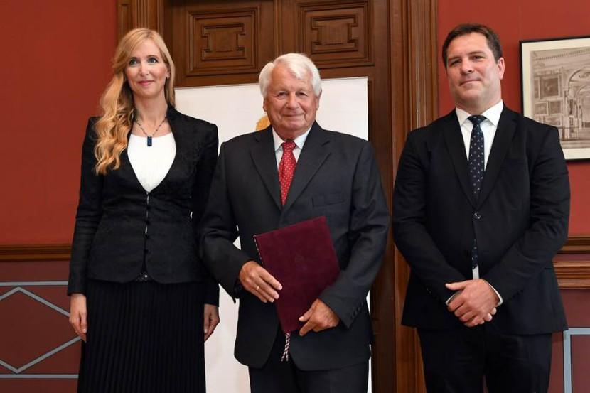 Novák Ferenc miniszteri elismerést kapott!