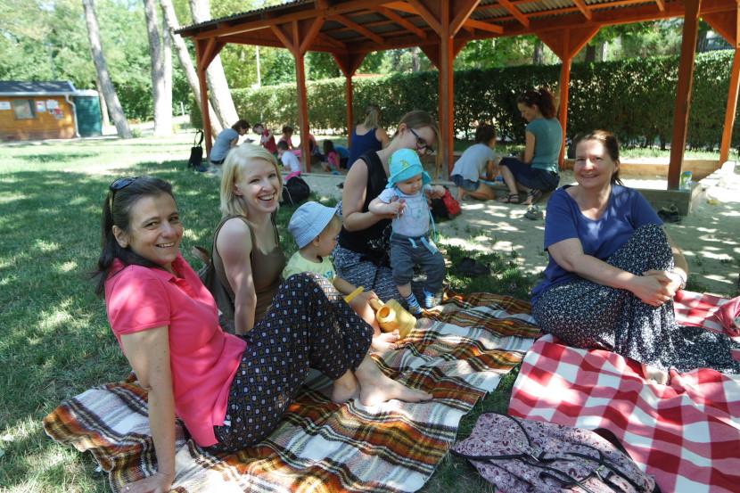 A jelszó: kötelékes piknik!