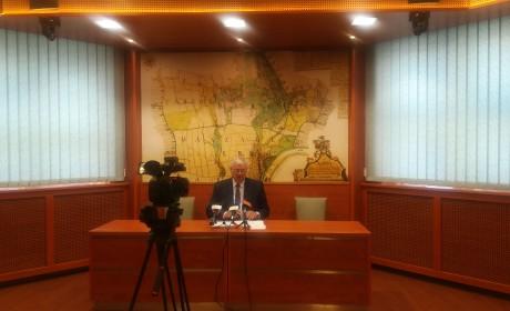 A törvényalkotási bizottság munkáját segíti Aradszki