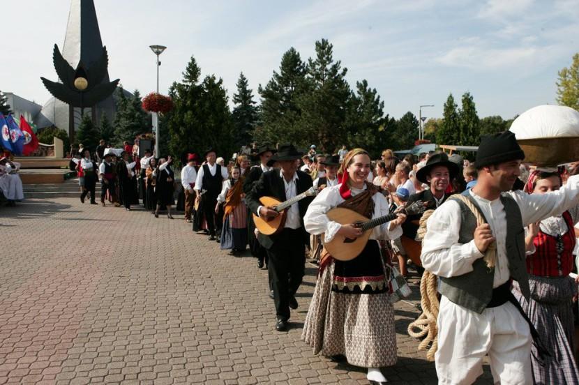 Summerfest: világsztárok, világzene, folklór
