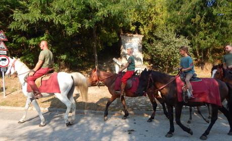 Elindultak a lovasok Érdről Mohácsra