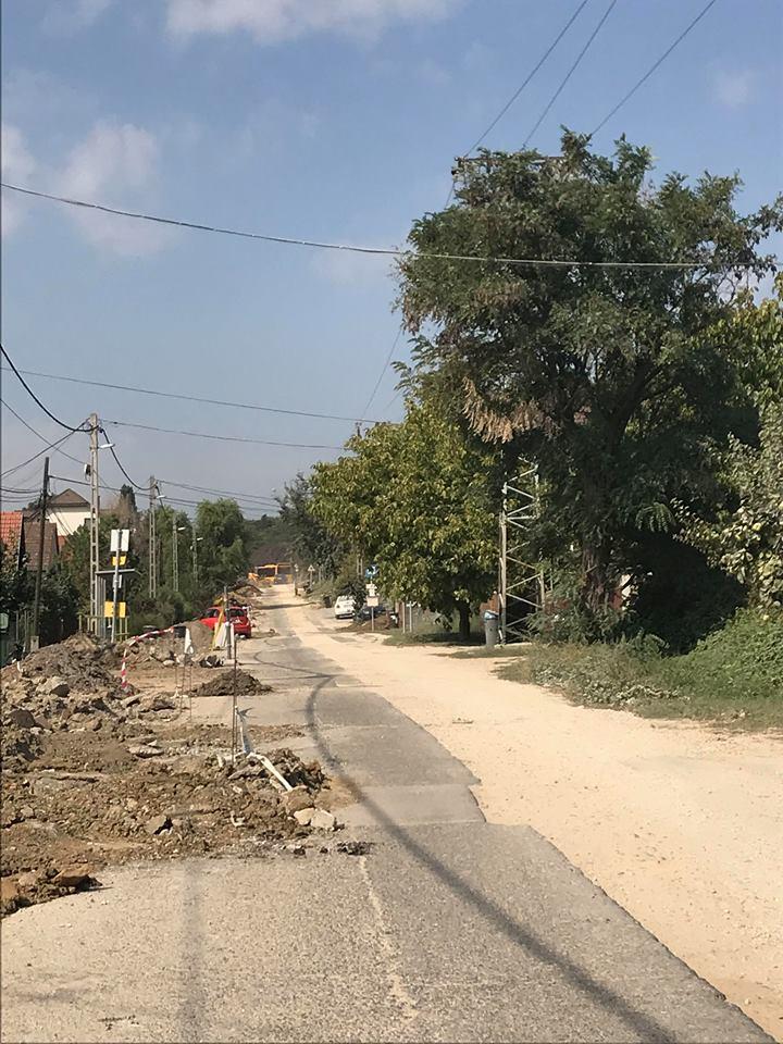Jövő héten kezdődik a Csaba utca aszfaltozása