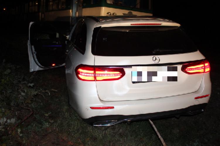 Nagyértékű autót lopott, elfogták