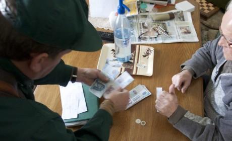 Csütörtökön kezdődik a nyugdíjprémiumok postai kézbesítése